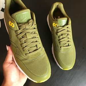reputable site f2081 84ee8 Nike Shoes - 💥Brand New Nike Air Max 1 Ultra moire olive green